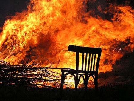 Damp squib: Pathetic TV coverage of Knysna fires